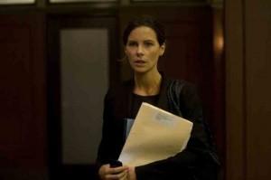 Kate Beckinsale überzeugt in der Rolle als Anwältin. (Copyright:Koch Media)
