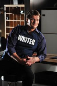 "Nathan Fillion in seiner Rolle als Richard Castle in der Serie ""Castle"" (Copyright: ABC Studios)"