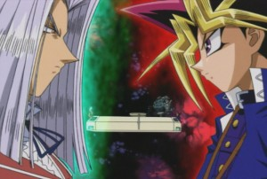 Turnier der Finsternis: Yugi Muto steht im Kartenspiel Duel Monsters dem zwielichtigen Schurken Maximillion Pegasus gegenüber. (Copyright: KSM Anime)