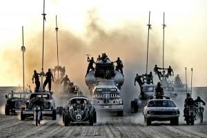 Wer bei diesen Wagen CGI erwartet, irrt sich. Von diesen Gefährten ist keines am Computer entstanden. (Copyright: Warner Bros.)