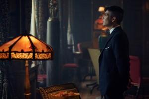 Cillian Murphy gibt als Thomas Shelby den harten Gangster in Peaky Blinders. (Copyright: Koch Media)