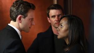 """Zwischen den Fronten - auch auf privater Ebene: Olivia Pope (Kerry Washington) in """"Scandal"""" (Copyright: 2016 ABC Studios)"""
